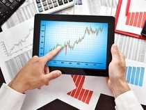 Stock market update: Midcaps outperform Sensex; IDBI Bank, RCom lead the pack of midcap gainers