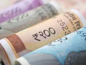 Rupee recovers from all-time low