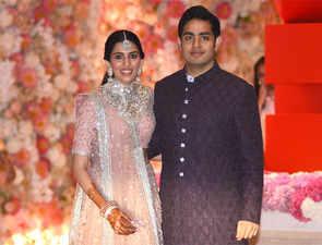 All eyes on much-awaited Ambani engagement, and the new power-couple Akash-Shloka