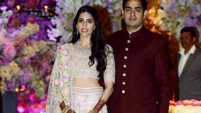 B-town celebs, sports stars add glamour to Akash-Shloka's engagement