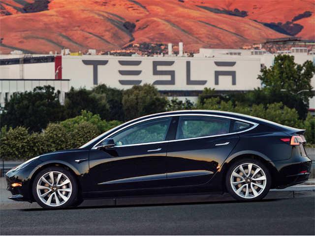 Tesla finally makes 5,000 Model 3s, Elon Musk thanks 'amazing team for incredible job'