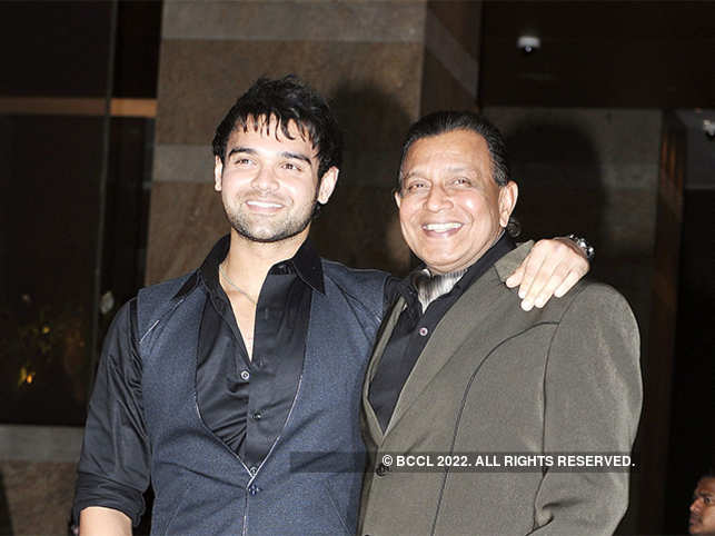 Mahaakshay-Chakraborty-and-Mithun-Chakraborty-bccl