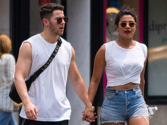 Nick Jonas and Priyanka Chopra, Nick Jonas and Priyanka Chopra togther, Priyanka and Nick relationship, How did Priyanka and Nick meet, Dwayne Johnson with Priyanka and Nick