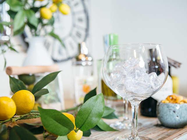 drink-cocktail-orange-ice-ThinkstockPhotos-625752098