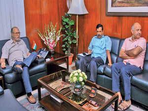 kejriwal-LG-PTI