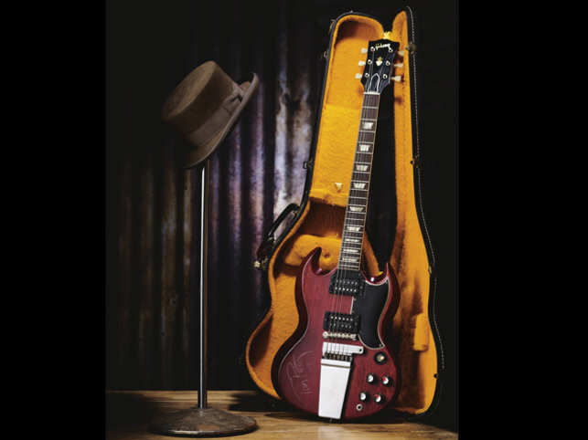 Vintage Tom Petty Guitar used on Dylan tour going to auction