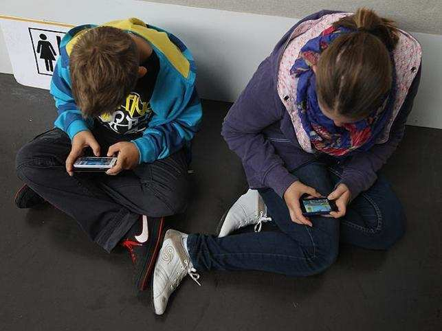 smartphone-addiction_getty