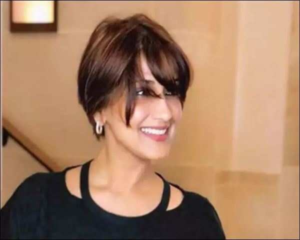 Sonali Bendre Shares Emotional Hair Cut Video Thanks Fans For