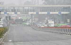 New Delhi: Heavy traffic at the road under Lajpat Nagar flyover which was closed...