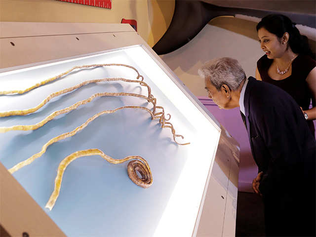 Indian with world\'s longest fingernails cuts them after 66 years ...