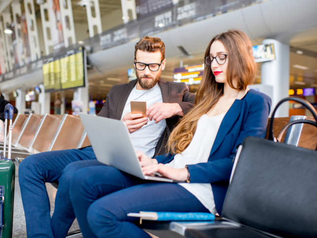 travel airport thinkstock couple