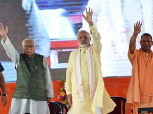 PM Modi dedicates Varanasi gas distribution project to the nation