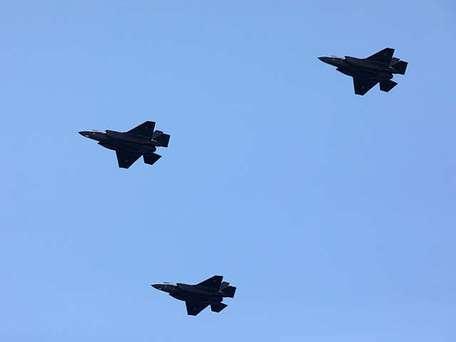 Lockheed Martin F-35 jet's price falls below $90 million
