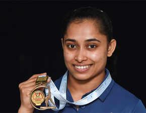English no hurdle, Dipa Karmakar smiles and makes friends with international athletes