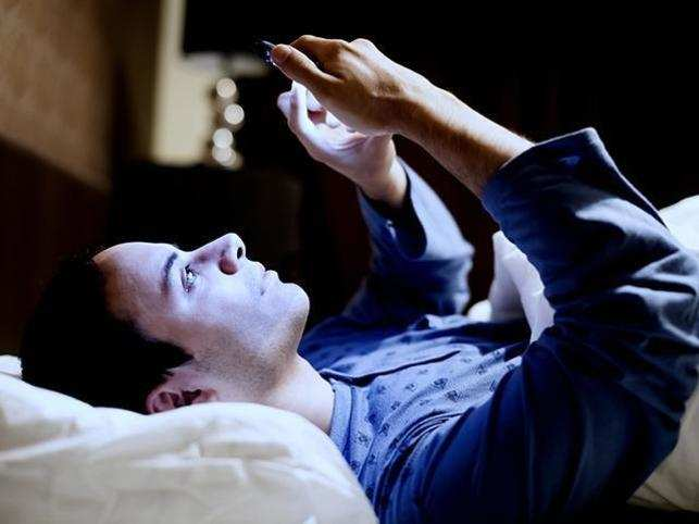 Obsessed with your fitness apps and gadgets? Trackers may be resulting in sleep disorders