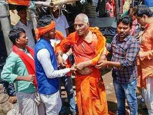 Swami Agnivesh assaulted in Jharkhand