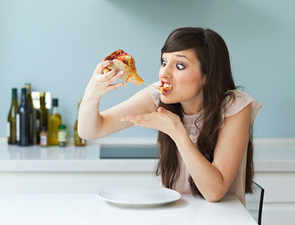 Myth debunked: This is why we all go through binge-eating episodes