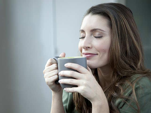 woman-drinking-coffee_640x480_getty