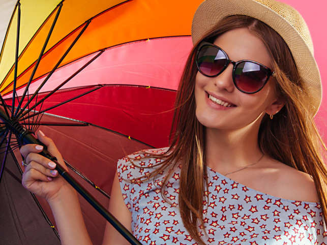 monsoon-woman_ThinkstockPhotos