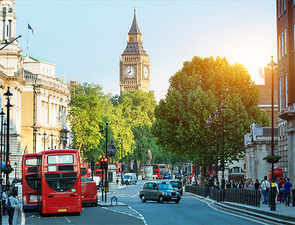 London wants to be the world's most walkable city, plans daily street tours by 2024