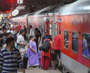 Mumbai Rajdhani finds a way to be on time