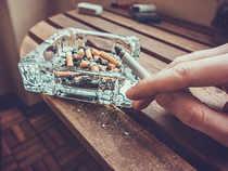 smoking-cigarette-ThinkstockPhotos-534005066