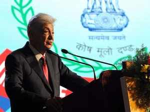 Azim Premji calls for lower tax rates