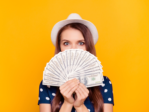 money-spend-thinkstock
