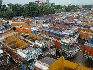 Transporters call off strike after govt agrees to consider demands