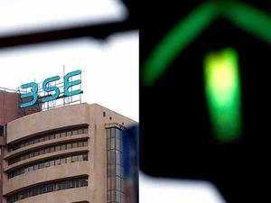 Sensex zooms 391 pts, Nifty hits fresh peak; bank, IT stocks rally