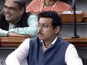 What led I&B ministry to decide on withdrawing the social media hub proposal