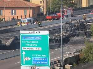 Italy tanker explosion injures up to 70