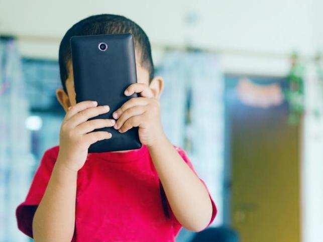 smartphone-addiction1_thinkstock