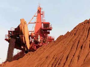 Parrikar seeks PM Modi's intervention in Goa mining issue