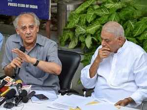 Bofors nothing compared to Rafale deal: Yashwant, Shourie