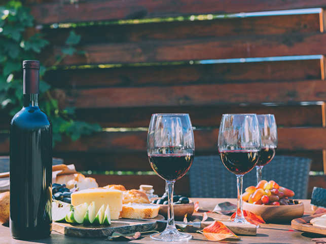 drink-wine-cheese-food-GettyImages-916218998