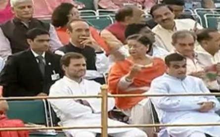 Congress President Rahul Gandhi, Congress leader Ghulam Nabi Azad and Union Minister Nitin Gadkari at Red Fort in Delhi.