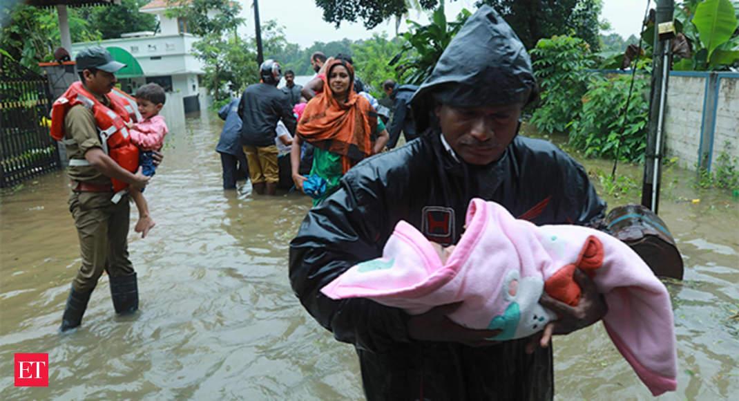 केरल बाढ़ से तबाही