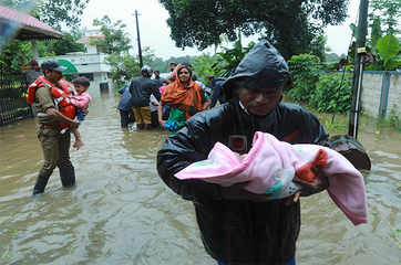 Kerala issues red alert, flood death toll rises to 67
