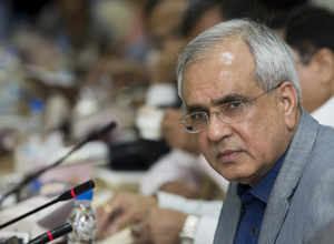 Rupee moving towards natural value: NITI Aayog VC