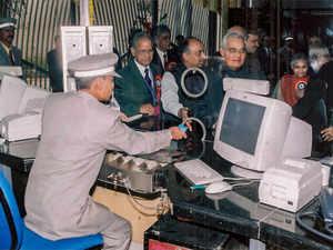 vajpayee-metro-PTI