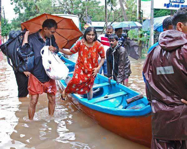 Kerala Rains Kerala Floods Life Comes To A Standstill Rain To Continue For Next 2 Days