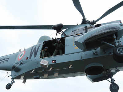 Kerala floods: IAF aircraft drops relief material for flood affected people
