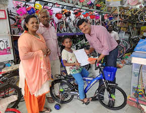Kerala flood: 9-yr-old donates piggy bank savings for cycle; Hero promises her a bike every year