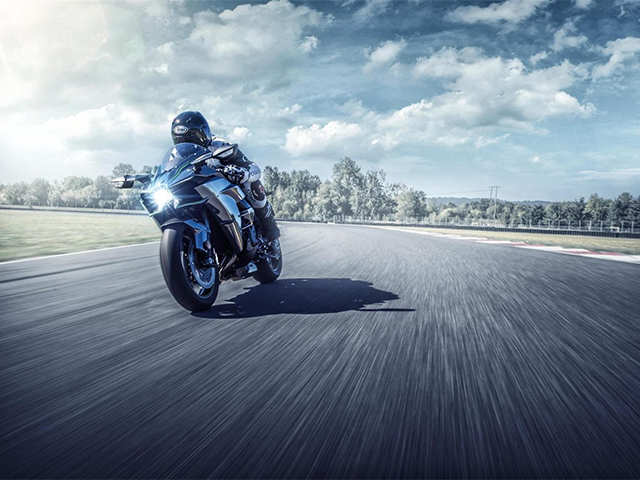 Kawasaki launches 2019 Ninja H2 range in India - The most powerful