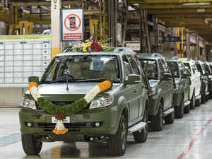 Tata Motors rolls out 1,500th Safari Storme for Indian Armed Forces