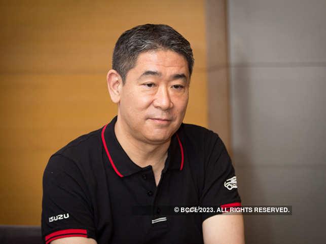 ETP2-04-Ken-Takashima_Nishikant-Gamre_3165-4c