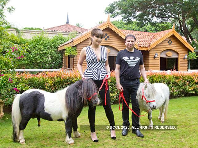 ETP3-04-michelle--yohan-poonawalla-with-pony--pic-shriya-patil-5c