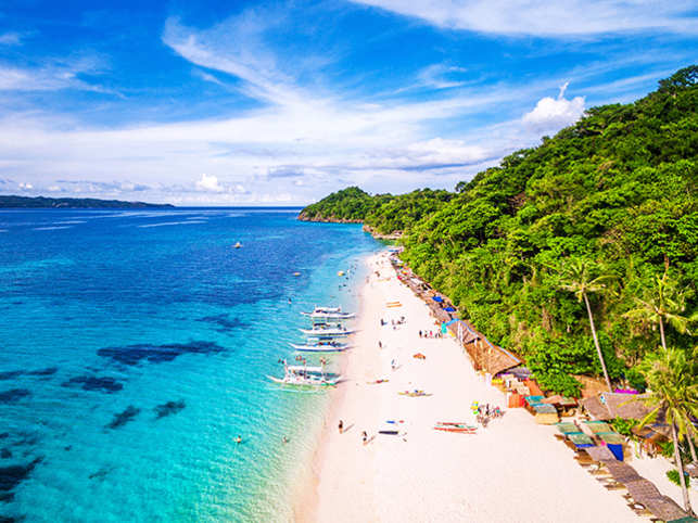 Philippines-beach-travel--GettyImages-685040322