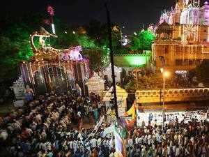 Watch: Nation soaks in Krishna Janmashtami celebrations